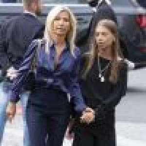 Obsèques de Jean-Paul Belmondo : sa fille Stella accrochée à sa maman, union face à la douleur