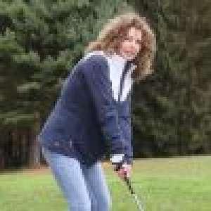 Manuela Lopez (Les Mystères de l'amour) : Rayonnante pour un golf avec Philippe Candeloro