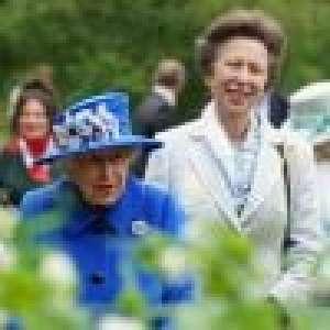 Elizabeth II et la princesse Anne en Ecosse : mère et fille s'offrent une sortie champêtre