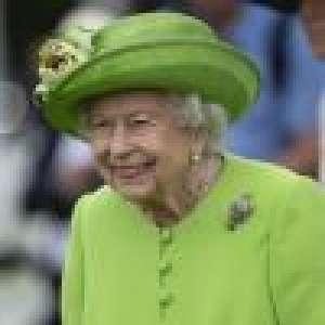 Elizabeth II : Look fluo, perles et diamants... Nouvelle apparition aveuglante !