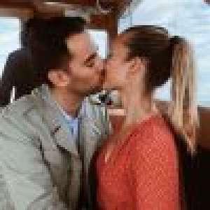 Ilona Smet au mariage de Laura : baiser passionnel avec son chéri