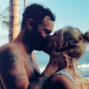Brian Austin Green en couple : sa chérie Sharna Burgess officialise