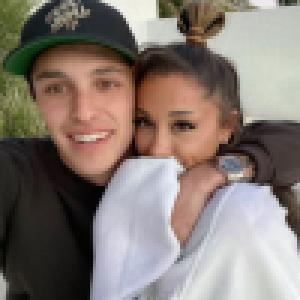 Ariana Grande mariée à Dalton Gomez : l'étrange cadeau de mariage qu'ils vont... chevaucher !