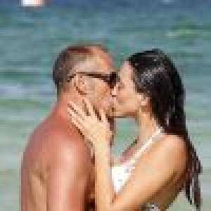 Delphine Wespiser amoureuse : bikini et baisers, vacances romantiques avec Roger