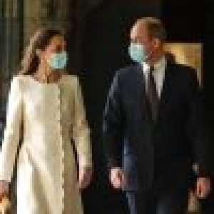 Kate Middleton vaccinée à son tour : l'épouse de William ose le jean délavé 90's