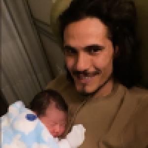 Edinson Cavani à nouveau papa : l'ancien attaquant du PSG présente son 4e enfant