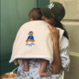 Shy'm maman : inséparable de son bébé, il l'accompagne même en studio !