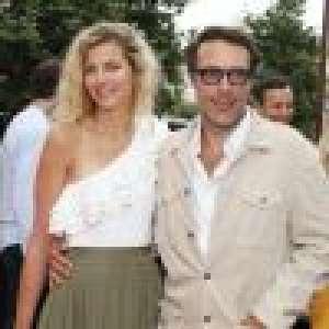 Nicolas Bedos câlin avec sa compagne Pauline : l'amour en douceur à Nice