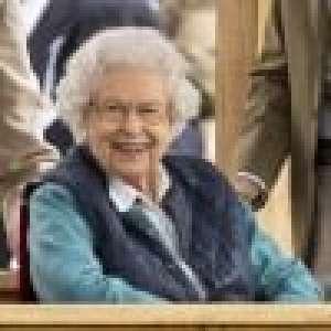 Elizabeth II ravie : sourire XL et tenue du dimanche, sortie en famille remarquée à Windsor