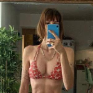 Alexandra Rosenfeld : Topless à la plage, Chloé Mortaud sous le charme