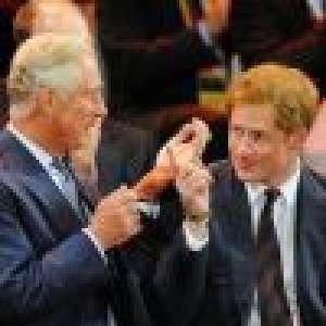 Le prince Charles rancunier ? Il remplace des photos de Harry par celles de William