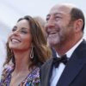 Cannes 2021  : Kad Merad et Julia Vignali amoureux complices sur le tapis rouge