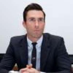 Adam Levine change radicalement de look : les internautes mitigés !
