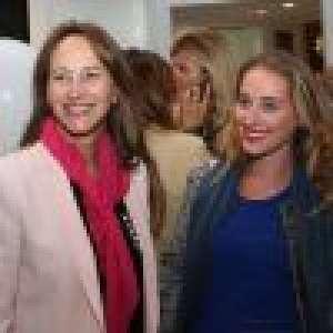 Flora Hollande enceinte : la fille de François Hollande et de Ségolène Royal attend son premier enfant