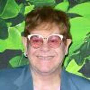 Elton John enflamme Cannes avec un concert surprise dans un restaurant