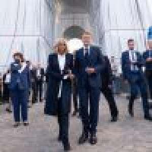 Brigitte et Emmanuel Macron ébahis par l'Arc de Triomphe et le