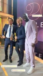 Omar Sy sur France 2: pourquoi le look de l'acteur a fait le buzz?