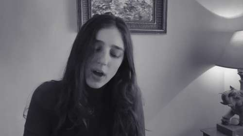 Birdy revisite People Help The People en Live At Home
