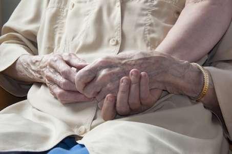 Soins palliatifs : 20 ans après le texte fondateur, un bilan insuffisant