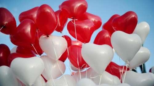 Saint-Valentin : comment les enfants et adolescents se déclarent-ils leur flamme ?