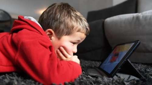 franceinfo junior. Quels sont les effets des écrans sur la santé ?