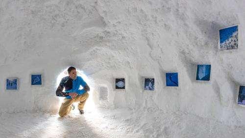 Les photos glacées de Bertrand Bodin exposées dans un igloo à Orcières