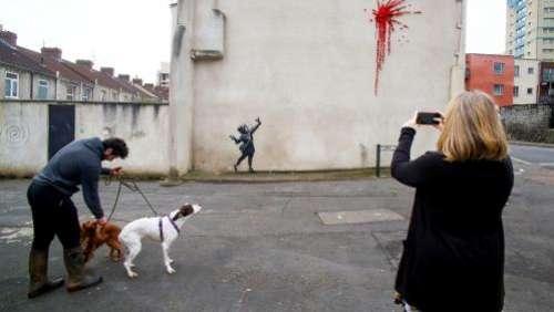 Royaume-Uni : une œuvre de Banksy réalisée pour la Saint-Valentin a été vandalisée