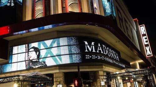 Répertoire engagé, scénographie captivante, intimité avec le public : Madonna au Grand Rex, une expérience à huis clos