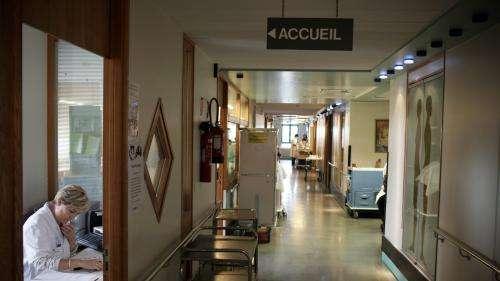 Épidémie de coronavirus : Emmanuel Macron en visite à l'hôpital Avicenne (AP-HP) de Bobigny mercredi matin