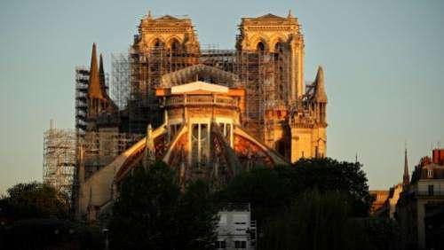 Notre-Dame de Paris : les travaux de démontage de l'échafaudage commencent