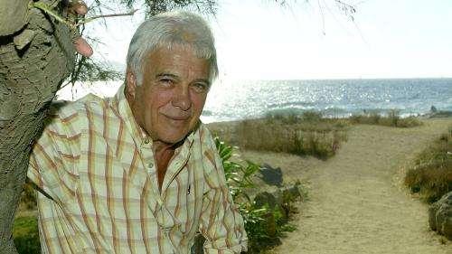 Le bel adieu en chansons pour Guy Bedos lors de son inhumation en Corse