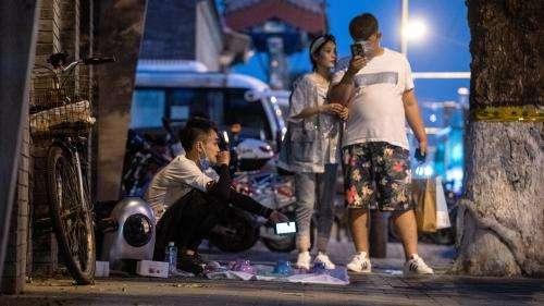 Coronavirus : de nouveaux cas en Chine, 11 quartiers de Pékin confinés