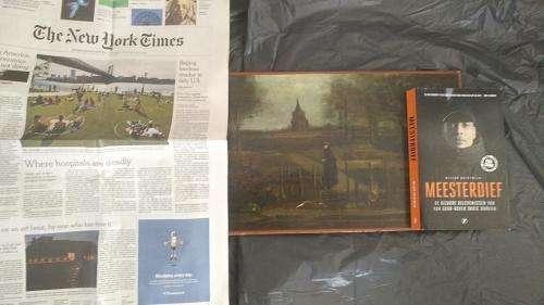 Un enquêteur a dévoilé des photos récentes d'un tableau volé de Van Gogh qui prouveraient que l'oeuvre existe toujours