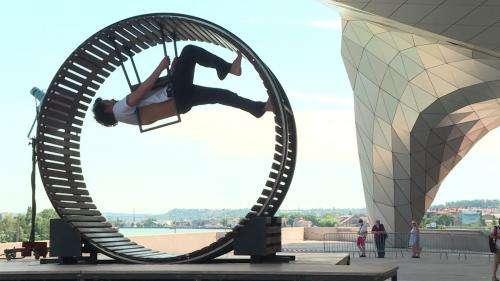 On joue et on danse au Musée des Confluences de Lyon qui se déconfine en plein air
