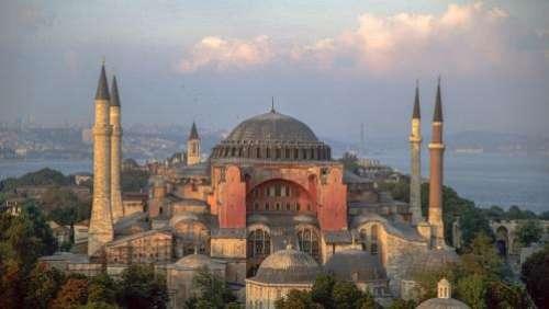 Sainte-Sophie, symbole culturel d'Istanbul, redeviendra-t-elle une mosquée ?