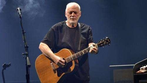 David Gilmour dévoile une nouvelle chanson et un nouveau clip en direct sur YouTube