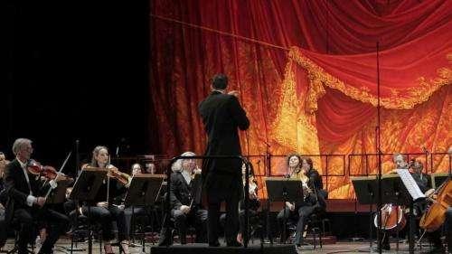 14 juillet : le Palais Garnier rend hommage aux soignants