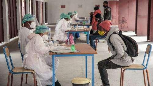 Coronavirus : à Madagascar, le ministre de la Santé appelle à l'aide internationale tandis que le président vante les mérites d'une tisane