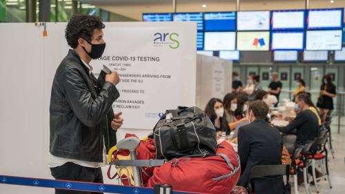A l'aéroport de Roissy, la délicate organisation des contrôles pour arrêter le Covid-19 à la frontière
