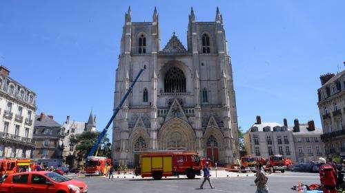 Incendie de la cathédrale de Nantes : le bénévole du diocèse déjà soupçonné a été mis en examen et placé en détention