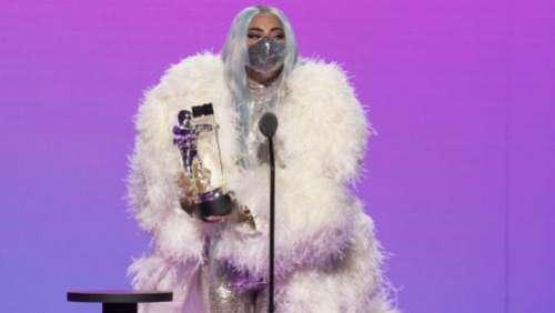 Lady Gaga, reine masquée de MTV Video Music Awards engagés et en partie virtuels