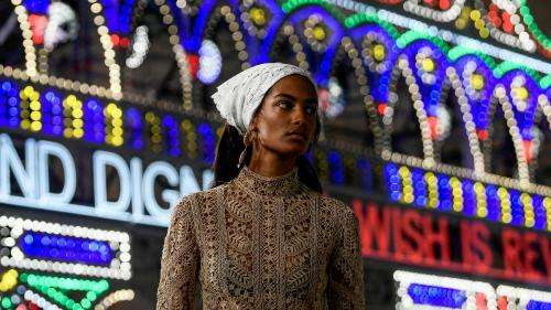 New York, Londres, Milan et Paris : les Fashion Weeks printemps-été 2021 seront un mélange de défilés et de présentations virtuelles