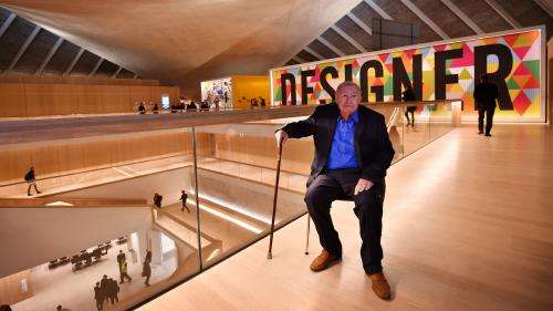 Le designer britannique et fondateur d'Habitat, Terence Conran, est mort à l'âge de 88 ans