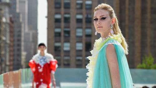 La Fashion Week de New York, privée de public, s'efforce de soutenir la mode américaine