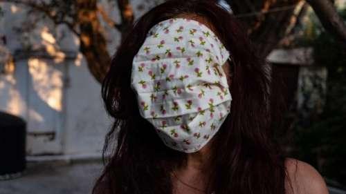 Coronavirus : la distribution de masques aux élèves vire au fiasco en Grèce à cause de dimensions XXL