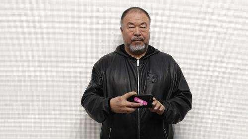 L'artiste chinois Ai Weiwei  est sur tous les fronts avec un film sur le confinement à Wuhan et un livre sur les migrants