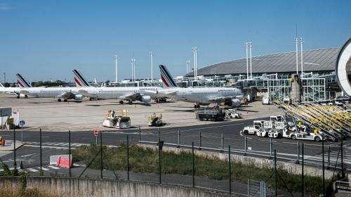 Covid-19: le trafic dans les aéroports parisiens pourrait chuter de 70% en 2020