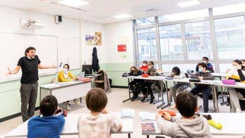 Salon du livre jeunesse de Montreuil : privés de scène, les auteurs