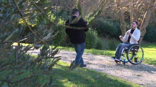 Le rappeur Faouzizou dénonce l'isolement des personnes en situation de handicap pendant la crise du Covid-19