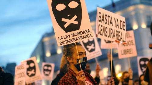 En Espagne, l'incarcération du rappeur Pablo Hasèl provoque de nouvelles manifestations contre la censure